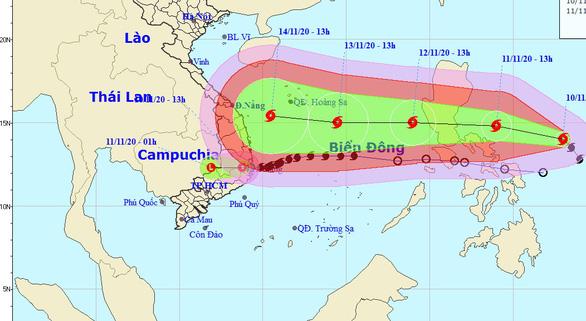 Bão Vamco tiếp tục mạnh lên, thẳng hướng Biển Đông - Ảnh 1.