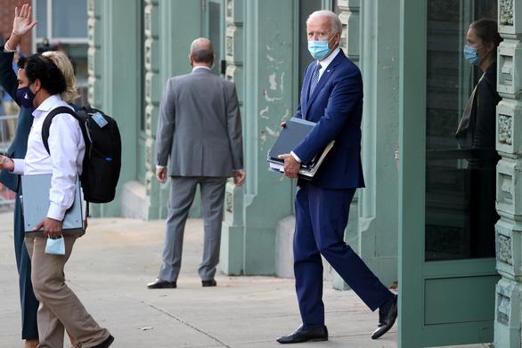 Bị trì hoãn chuyển giao quyền lực, phía ông Biden dọa kiện - Ảnh 1.