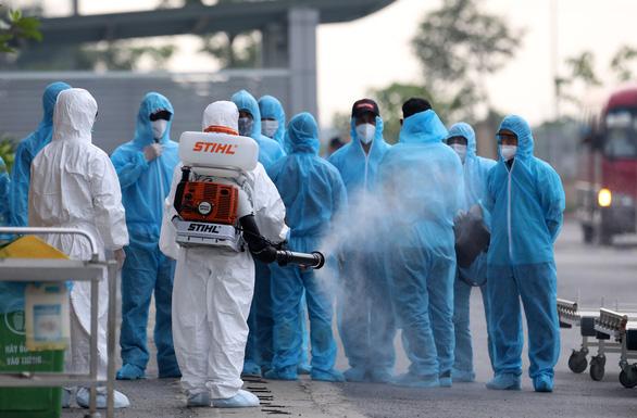 Thêm 10 ca mắc COVID-19 nhập cảnh, Việt Nam tiến sát 1.230 bệnh nhân - Ảnh 1.