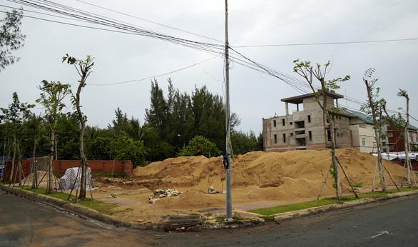 Vụ khu biệt thự Thanh Bình: chủ đầu tư chiếm đoạt cả ngàn tỉ đồng của khách, ngân hàng - Ảnh 2.