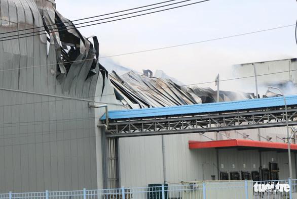 Cháy nhà máy sản xuất thực phẩm trong khu công nghiệp Hiệp Phước - Ảnh 13.