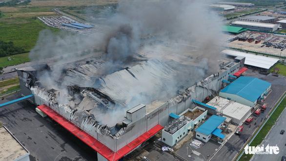Cháy nhà máy sản xuất thực phẩm trong khu công nghiệp Hiệp Phước - Ảnh 7.