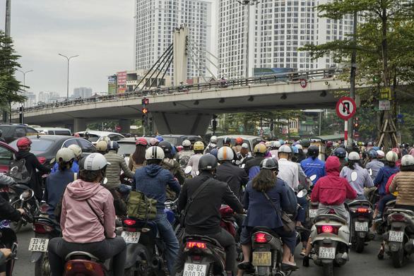 Phó giám đốc Sở GTVT Hà Nội: Tổ chức giao thông ở Ngã Tư Sở là phù hợp - Ảnh 2.