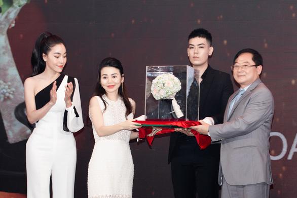 Công bố vương miện Hoa hậu Việt Nam 2020 nặng 159 gram vàng - Ảnh 3.