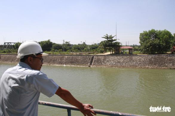 Đề xuất xây công trình ngăn mặn kết hợp cầu giao thông 410 tỉ chống mặn cho Đà Nẵng - Ảnh 1.