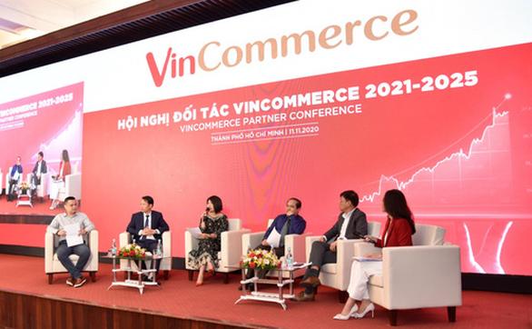 VinCommerce định hướng có hơn 300 siêu thị VinMart, gần 10.000 cửa hàng VinMart+ - Ảnh 2.