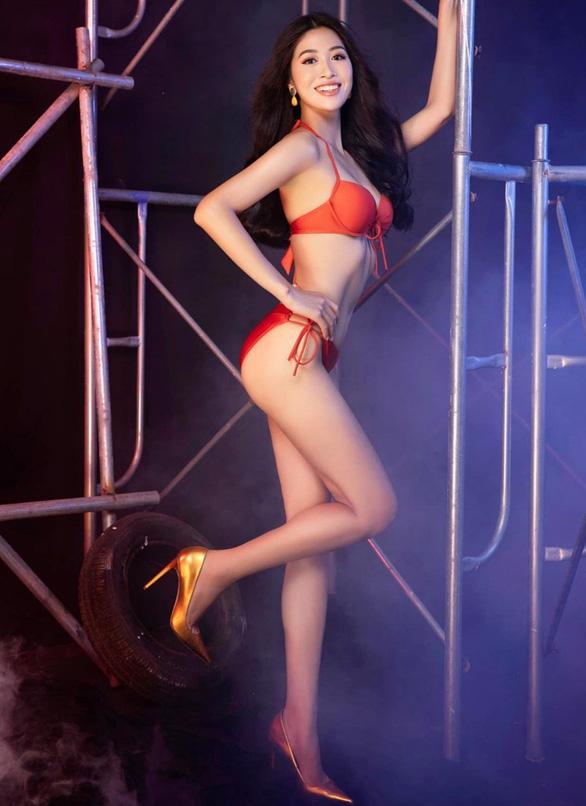 Vẻ duyên dáng của tiếp viên hàng không thi hoa hậu Đặng Vân Ly - Ảnh 2.