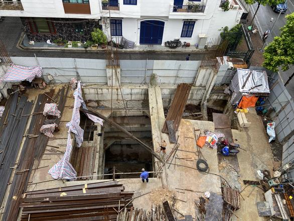 Vụ cấp phép nhà phố 5 tầng nổi có 4 tầng hầm: 'Trái thẩm quyền, không đúng quy định' - Ảnh 1.