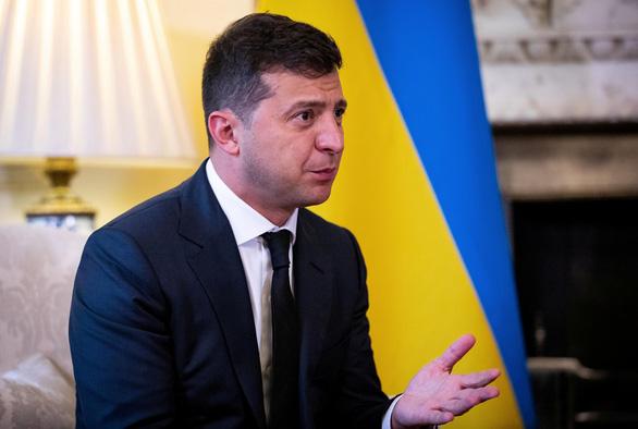 Tổng thống Ukraine nhập viện vì mắc COVID-19 - Ảnh 1.