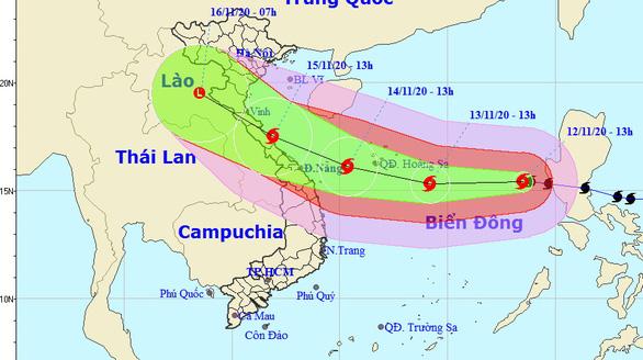Bão Vamco đã vào Biển Đông, gió mạnh cấp 12, giật cấp 15 - Ảnh 1.