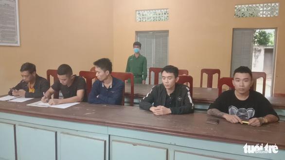 Một đêm bắt 8 người xuất, nhập cảnh trái phép tại biên giới Campuchia - Ảnh 1.
