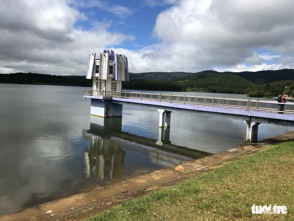 Khẩn cấp xử lý nhiều hồ chứa ở Lâm Đồng mất an toàn - Ảnh 1.