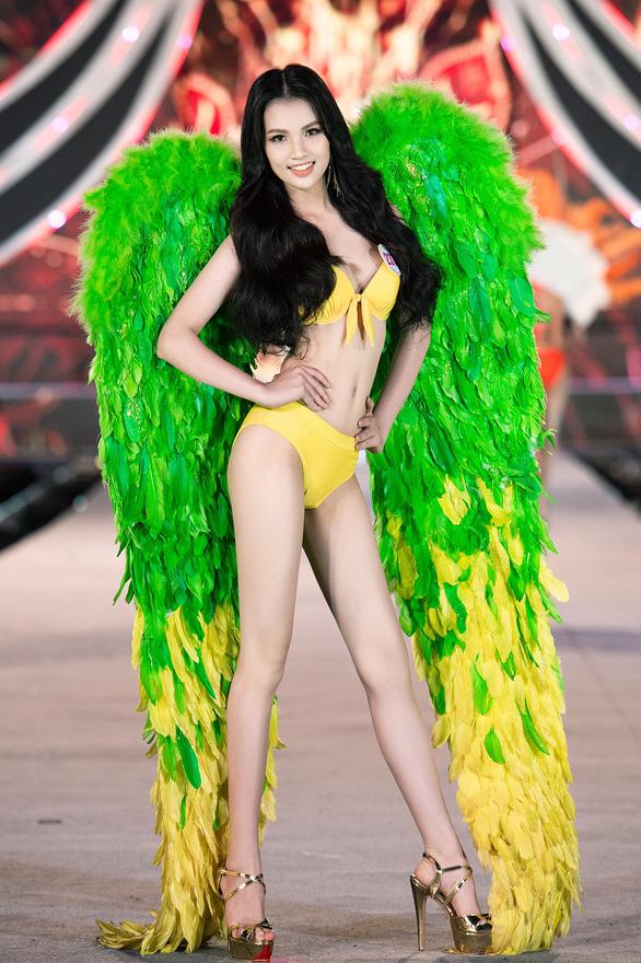 Hoa hậu Việt Nam 2020: Nóng bỏng đêm thi tìm kiếm Người đẹp biển - Ảnh 5.