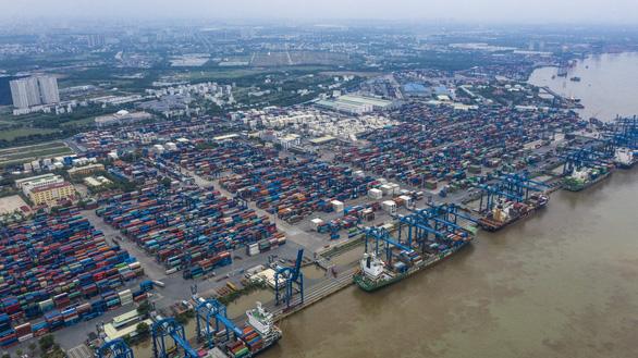 TP.HCM: đường vào cảng ùn tắc, chờ giải bài toán hạ tầng - Ảnh 1.
