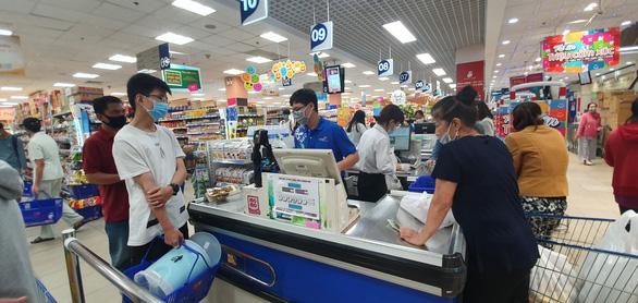 Cuối tuần mua sắm hàng chất lượng, giá cực rẻ tại chuỗi siêu thị lớn nhất Việt Nam - Ảnh 1.