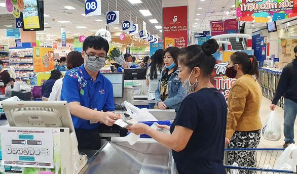 Cuối tuần mua sắm hàng chất lượng, giá cực rẻ tại chuỗi siêu thị lớn nhất Việt Nam - Ảnh 2.