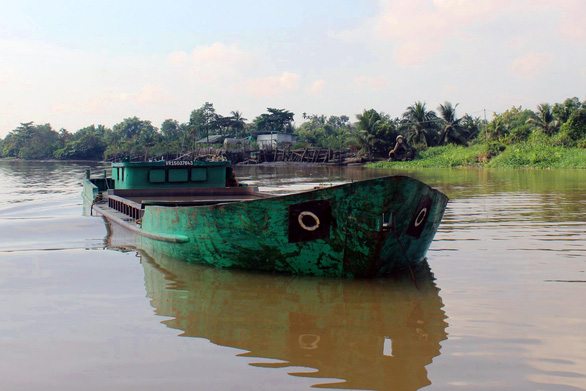Nổ súng bắt cát tặc trên sông Đồng Nai - Ảnh 1.