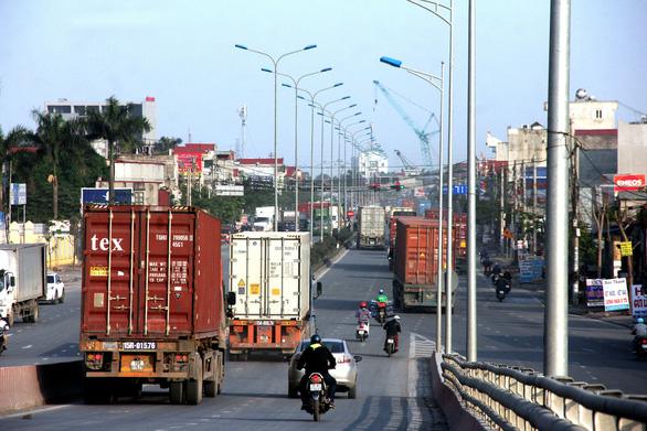 Thu phí sử dụng hạ tầng cảng biển: Phải chọn thời điểm thích hợp - Ảnh 2.