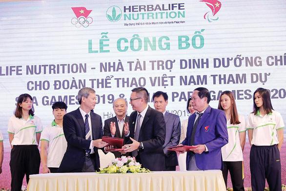 Herbalife Nutrition tổ chức tọa đàm trực tuyến về tăng cường sự tập trung tinh thần và tự tin. - Ảnh 2.