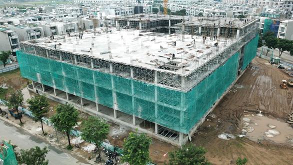 Cất nóc Bệnh viện Vạn Phúc Sài Gòn với tổng vốn đầu tư 864 tỉ đồng - Ảnh 2.
