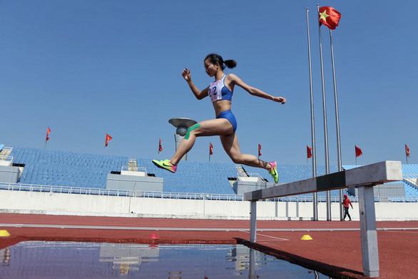 Nguyễn Thị Oanh phá kỷ lục quốc gia tồn tại suốt 17 năm - Ảnh 1.