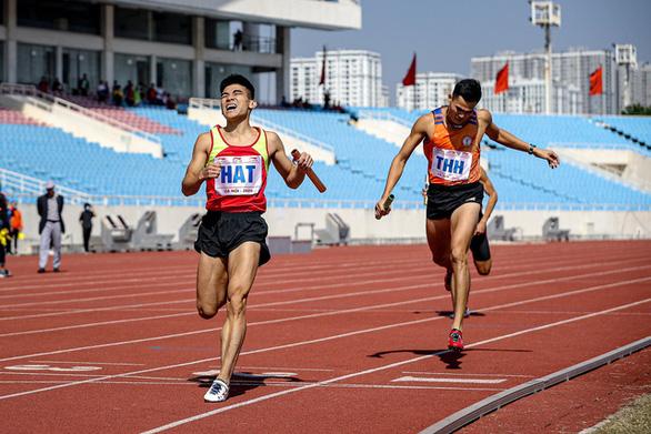 Nguyễn Thị Oanh phá kỷ lục quốc gia tồn tại suốt 17 năm - Ảnh 3.