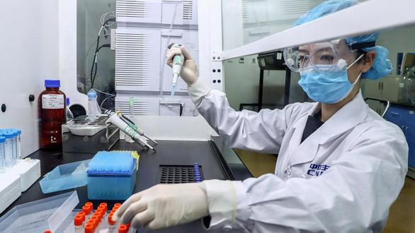 Trung Quốc khoe vắc xin chống được mọi chủng virus corona trên thế giới - Ảnh 2.