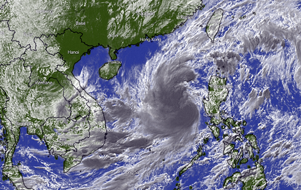 Bão số 13 vẫn sẽ rất mạnh khi đổ bộ Hà Tĩnh - Thừa Thiên Huế sáng mai - Ảnh 1.