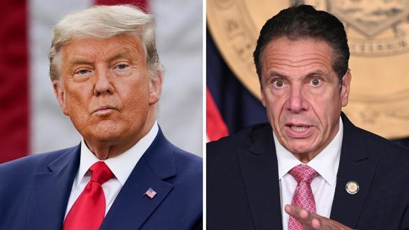 Ông Trump và thống đốc New York đốp chát nhau vì vắc xin COVID-19 - Ảnh 1.
