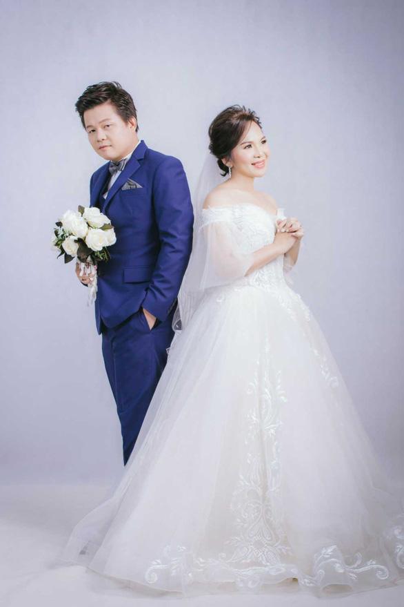 Cô dâu hoãn cưới để ra tranh cử chức chủ tịch tỉnh - Ảnh 3.