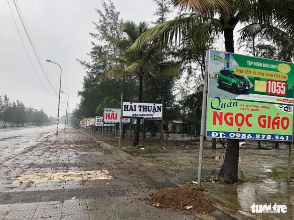 Làng biển Quảng Trị chưa đến giờ 'cấm' dân đã không ra đường - Ảnh 1.