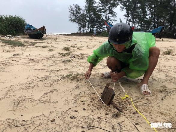 Làng biển Quảng Trị chưa đến giờ 'cấm' dân đã không ra đường - Ảnh 4.