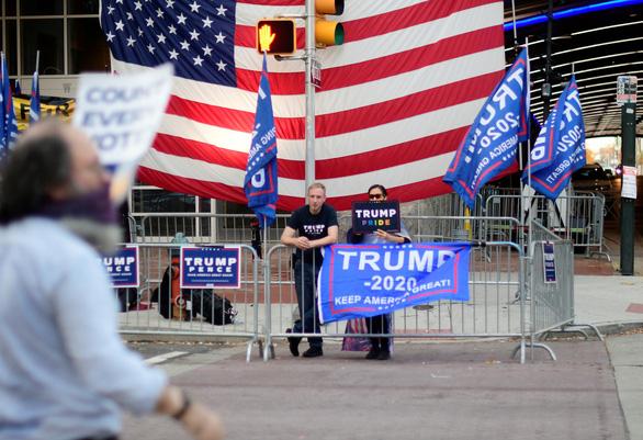 Truyền thông Mỹ: Ông Joe Biden đắc cử với 306 phiếu đại cử tri - Ảnh 1.