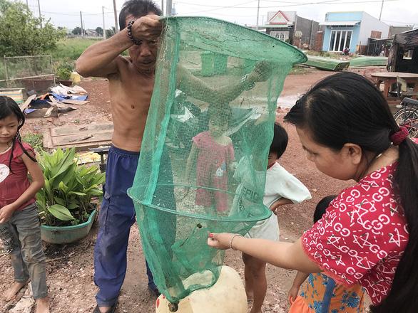 Xóm Việt kiều Campuchia đói cá - Ảnh 3.