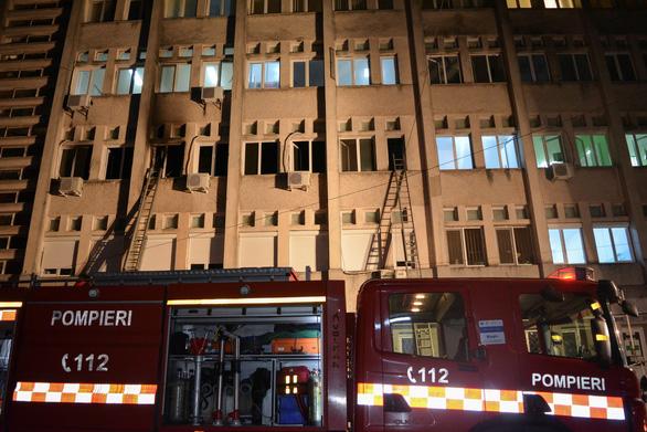 Cháy bệnh viện điều trị COVID-19 ở Romania, ít nhất 10 người chết - Ảnh 2.