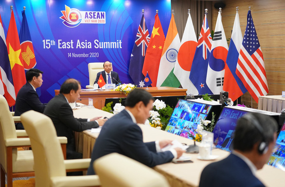 Cấp cao Đông Á kêu gọi không quân sự hóa trên biển - Ảnh 1.