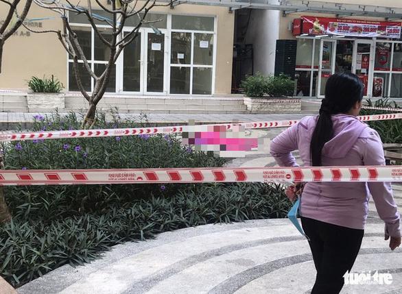 Điều tra vụ nữ luật sư rơi lầu chung cư tử vong ở Thủ Đức - Ảnh 2.