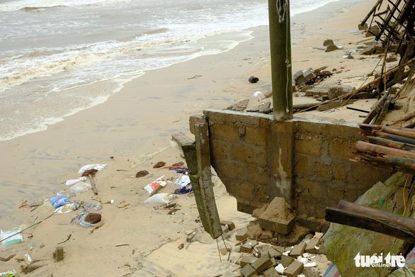 Sạt lở hàng chục kilômet dọc biển Quảng Trị sau bão Vamco - Ảnh 12.