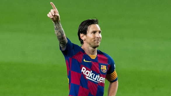 Điểm tin thể thao tối 15-11: Messi nhận 1.800 tỉ lòng trung thành, Hamilton đăng quang F1 - Ảnh 1.