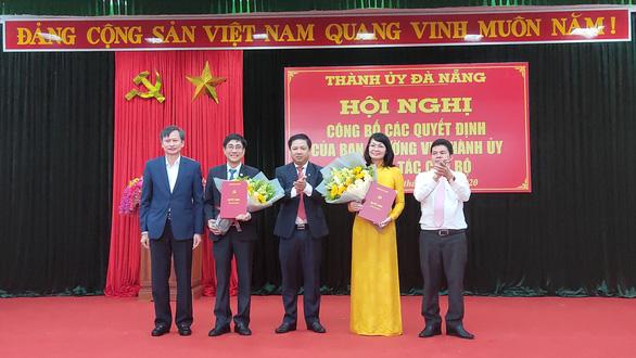 Đà Nẵng thay bí thư 4 quận, 2 giám đốc sở - Ảnh 1.