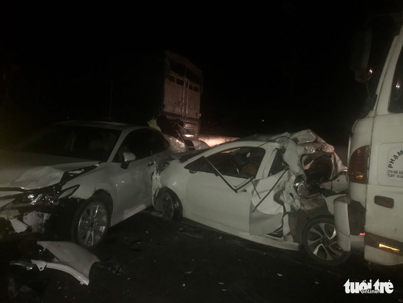 Hàng loạt xe đụng nhau, cao tốc Trung Lương kẹt cứng hơn 10 cây số trong đêm - Ảnh 1.