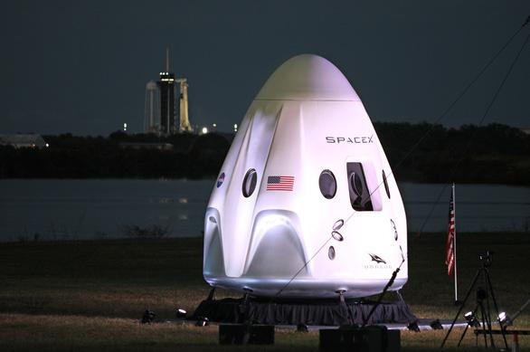 Rồng của SpaceX đã bay vào không gian - Ảnh 3.
