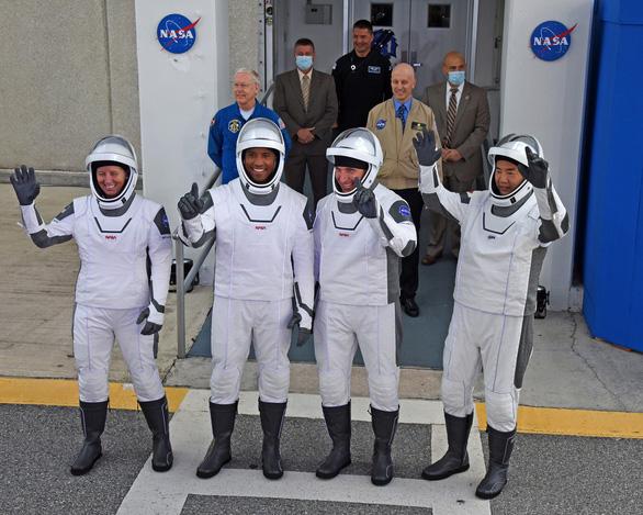 Rồng của SpaceX đã bay vào không gian - Ảnh 5.