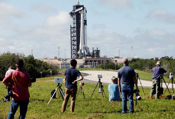 Rồng của SpaceX đã bay vào không gian - Ảnh 9.