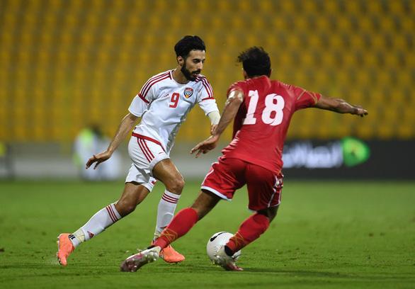 Cựu tuyển thủ UAE: 'Sẽ rất bẽ mặt nếu chúng tôi bị loại khỏi vòng loại World Cup' - Ảnh 1.
