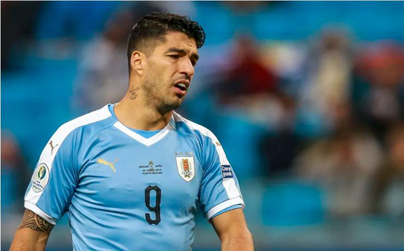 Điểm tin thể thao sáng 17-11: Suarez nhiễm COVID-19, siêu sao Kipruto bị bắt vì giao cấu với trẻ em - Ảnh 1.