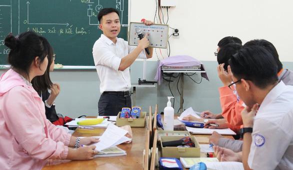 Yêu nghề dạy học - Kỳ 2: Những ông thầy sáng tạo - Ảnh 2.