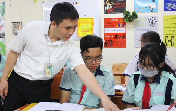 Yêu nghề dạy học - Kỳ 2: Những ông thầy sáng tạo - Ảnh 1.