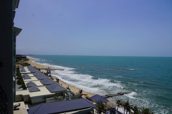 Đường ven biển cú hích phát triển du lịch - Ảnh 1.