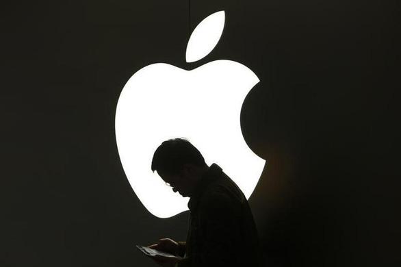 5 nhân viên Amazon tráo hàng, ăn trộm hàng loạt iPhone 12 ngay tại kho - Ảnh 1.